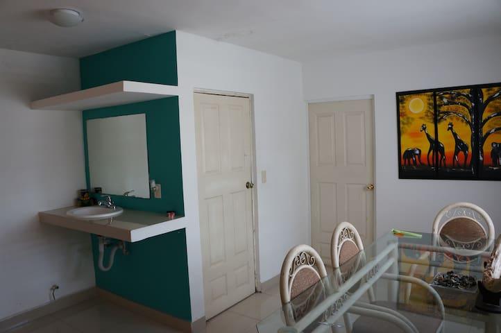 Habitación ejecutiva con comedor propio  Monterrey