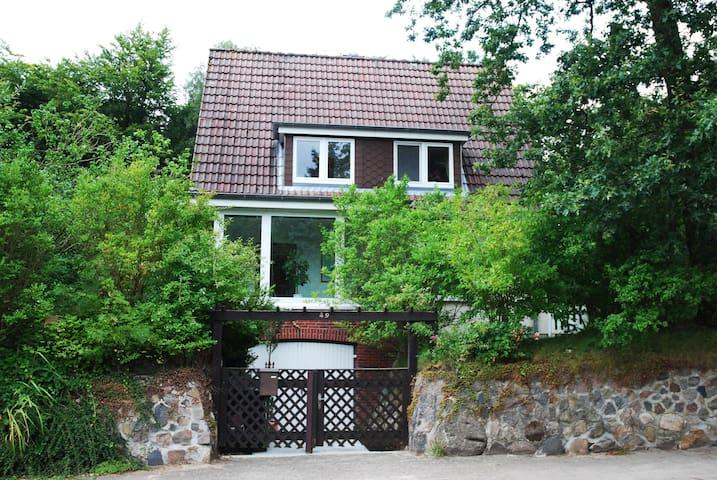 Gemütliche Wohnung in Heide - Heide - Appartement