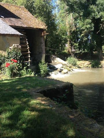 Moulin de la ronce - Champrond - Outro