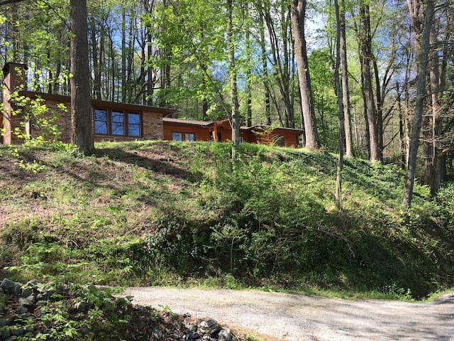 Renovated N GA Retreat Near Black Rock State Park - Rabun Gap - Huis