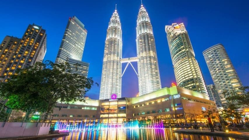 KL Tower View(M5)3min KLCC|Tv Box|Family|Work|Play