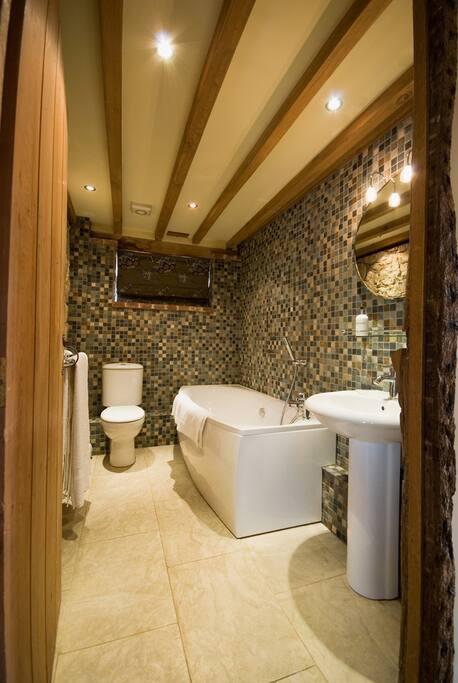 Russet Bathroom
