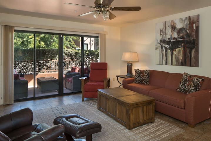 Cute & Cozy! New Furnishings! In The Heart of West Sedona! S067