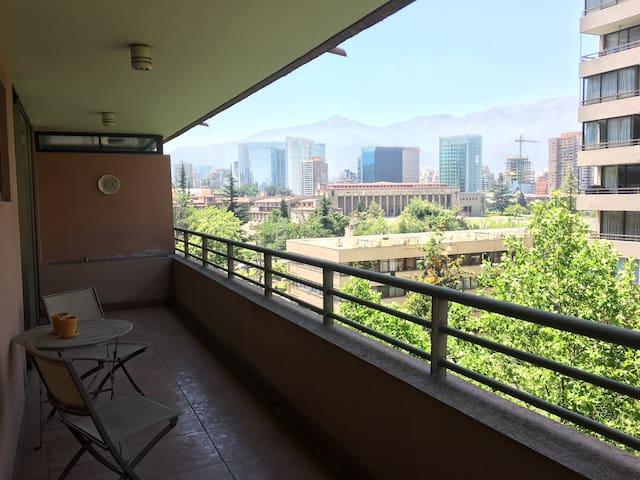 Hermosa vista y buena ubicación en Las Condes