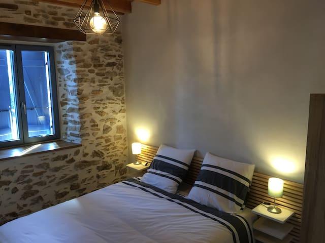 Chambre couple avec lit 160