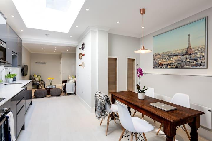 Elegant 2 bedroom apartment with sea views - Hastings
