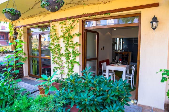 S14* DesignApartment with garden