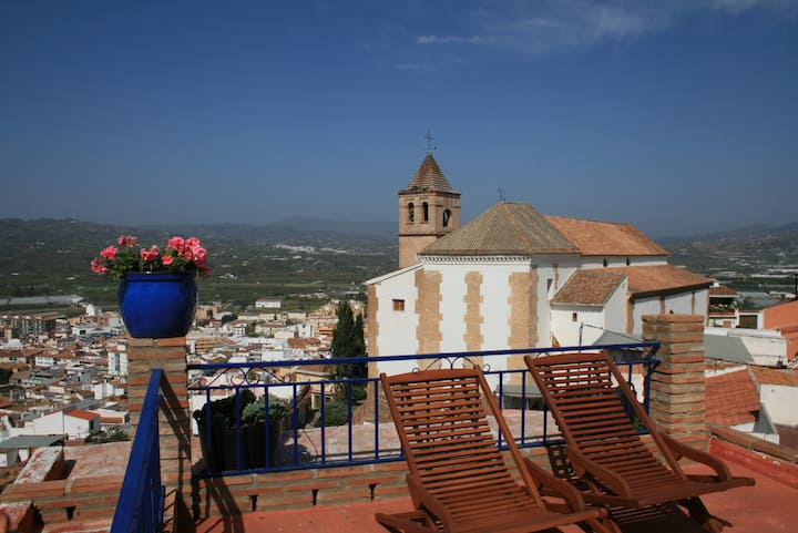 Long term cosy place on top of historic Velez Mala