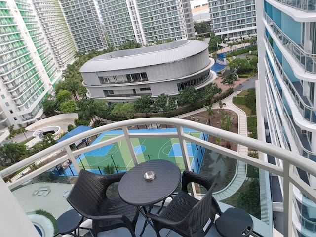 AZURE New&Branded 2BR Condo with Balcony near NAIA