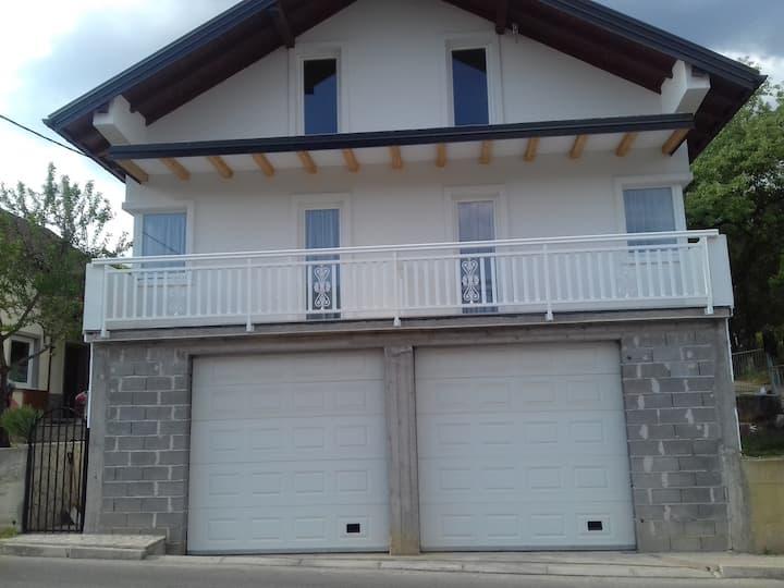 Big Mama's Apartments, Konjic