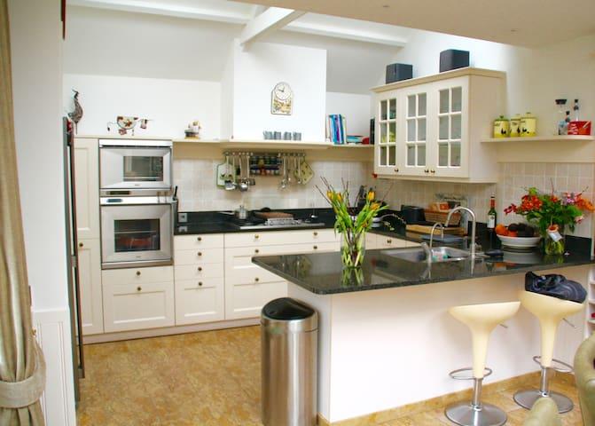 Comfortabel luxe familiehuis vlakbij Amsterdam
