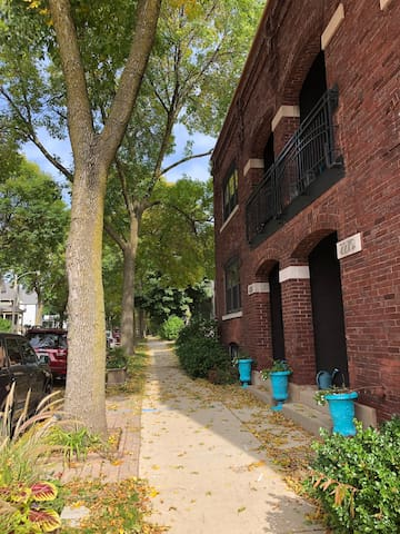 Townhouse in trendy Bay View for DNC