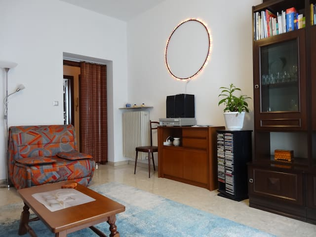 IN&OUT cozy apartment, center at walking distance