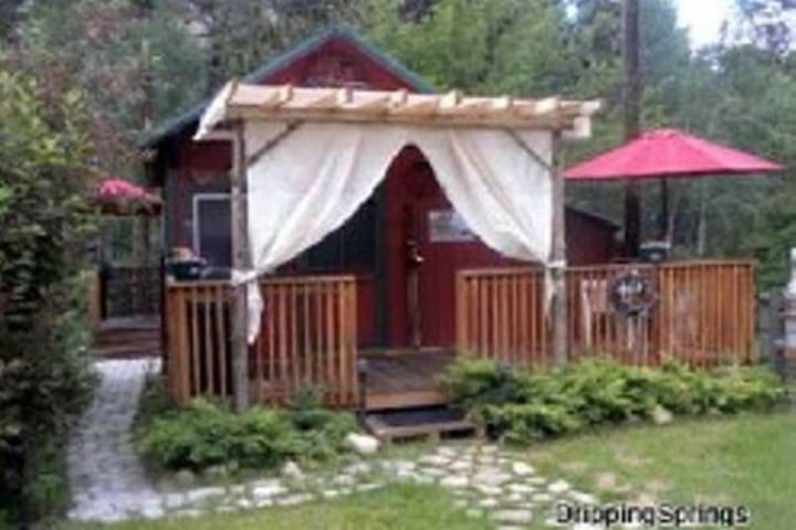 Willow · Willow Tiny House Dripping Springs Resort