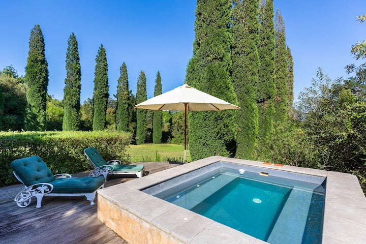 Contemporary Luxurious Garden Cottage in Wineland