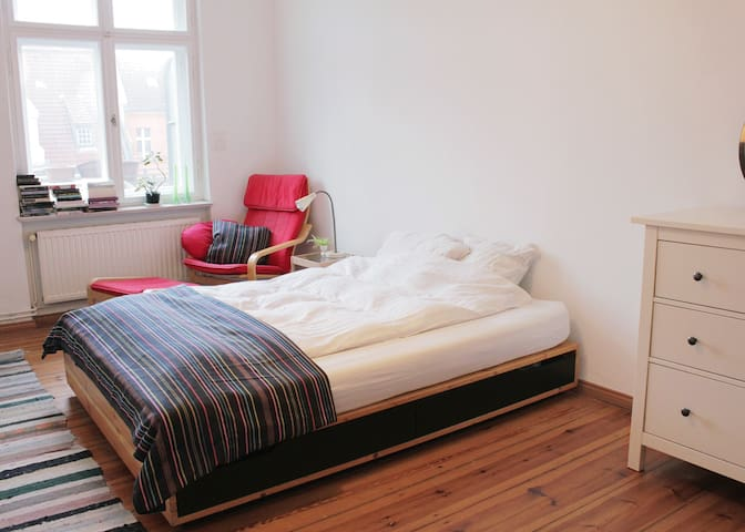 Beautiful room for two in Kreuzberg