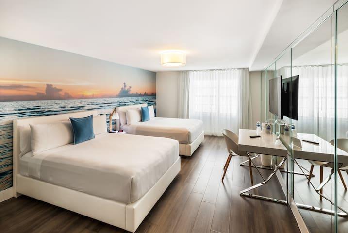 Deluxe Room with 2 Queen Beds & Breakfast - 1 block from beach