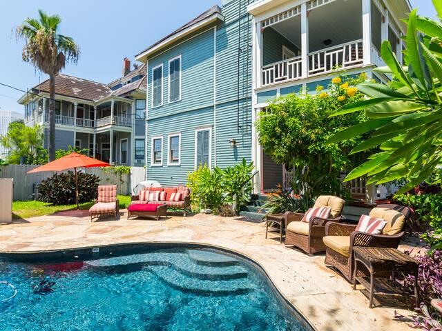 Victorian Splendor with Pool - Galveston - Rumah
