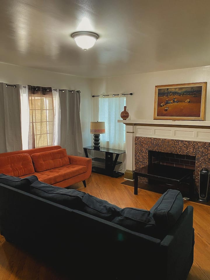 CO ED female friendly Hollywood hostel