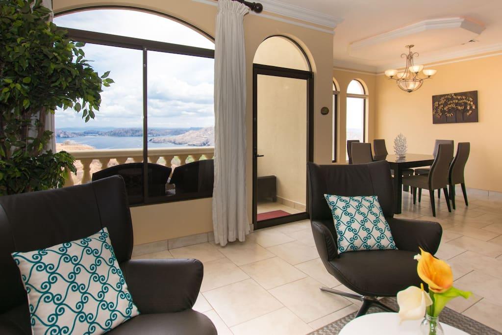Living room with endless views of the Peninsula Papagayo