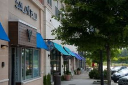 Midtown in Raleigh modern city loft - Raleigh - 아파트