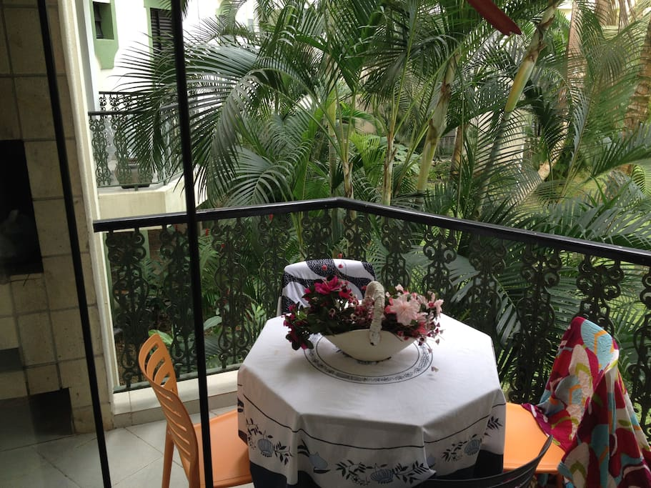 Sacada com churrasqueira - Balcony with bbq