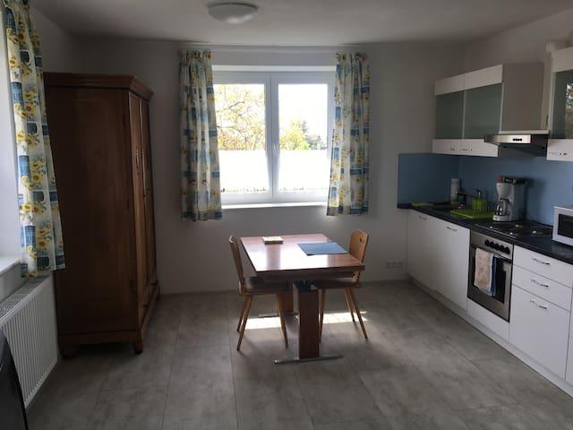 Wohnung neu renoviert, Küche, Bad, 2 Schlafzimmer