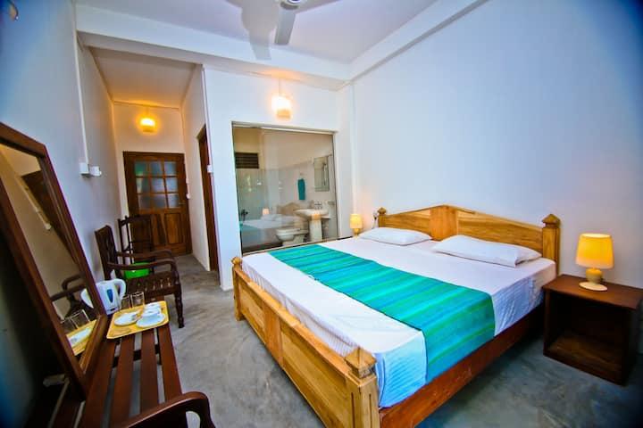 Alpine Resort - Bronze Room