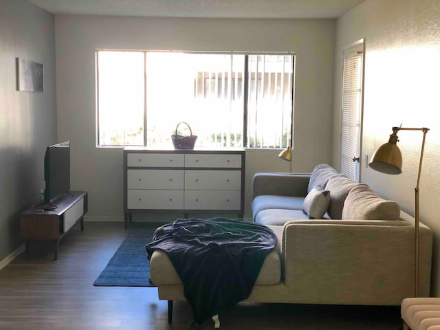 Spacious NEW room in Anaheim by Convention &Disney