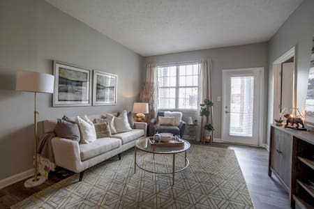 Upscale Louisville 1BR apt w/ hotel-like amenities