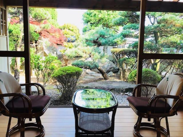 庭園空間と世界遺産七里御浜が味わえる贅沢なお宿