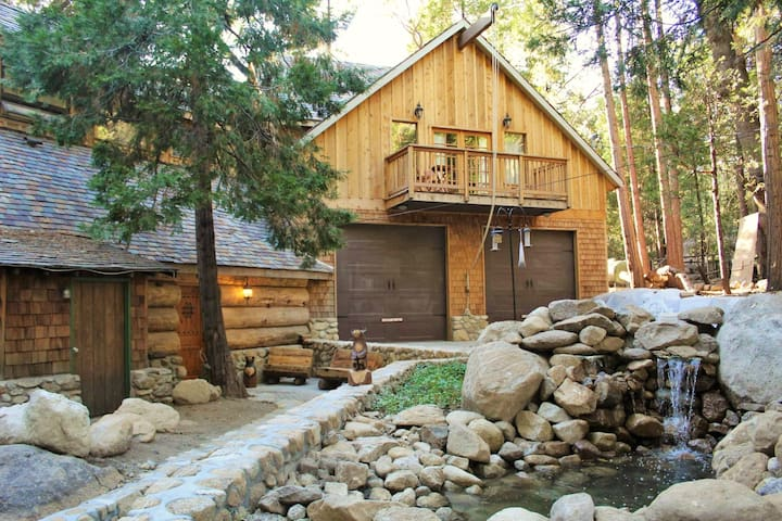Root-Stone Lodge, Betelgeuse