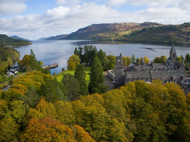 Loch Ness cottage with riverside views and more!