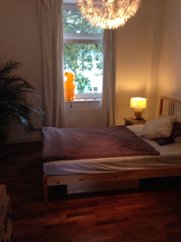 Stilvolles Zimmer im Altbau - Bilk