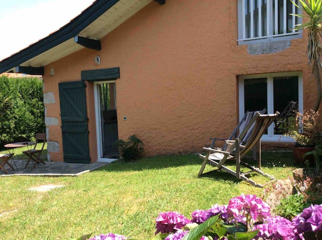 Studio duplex avec jardin au calme de Biarritz