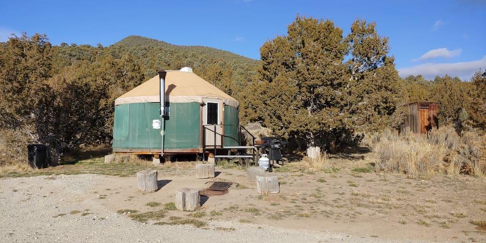City of Rocks Retreat - Pinion Yurt (Pets welcome)