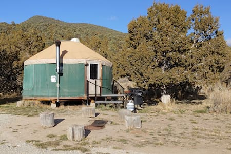 City of Rocks Retreat - Pinion Yurt (Pets welcome)