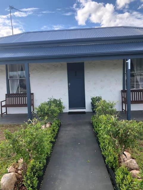 CCornish Cottage - Making Moonta Memories