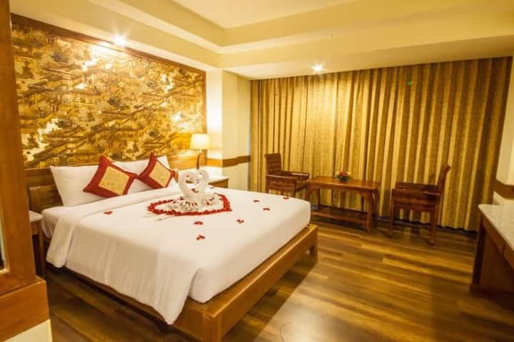 Pattaya King Size bed Free Breakfast City Hotel 1