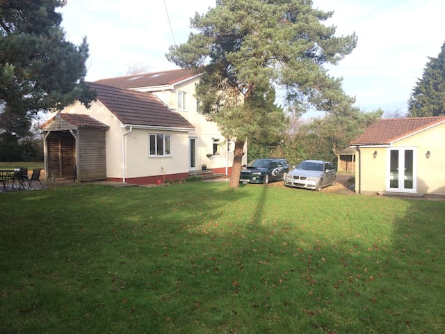 Westfield Lodge - Winford - Bungalou