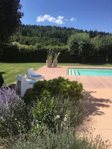 Chambre dans belle villa oyonnax