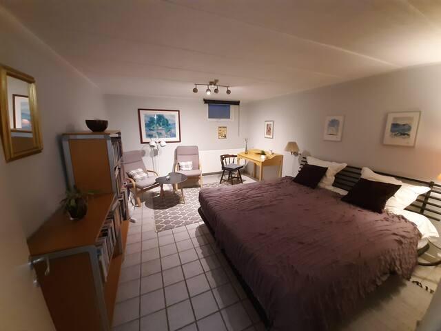 SOREN KIERKEGAARD: Masterbedroom for 2 persons