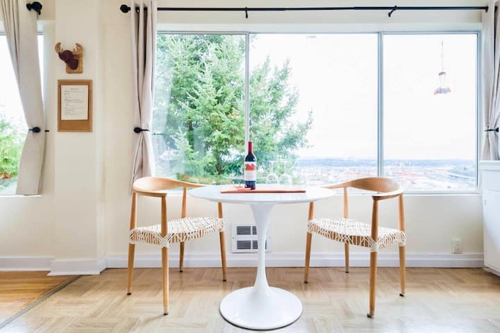 Stylish Work-from-Home with Fast Internet and View