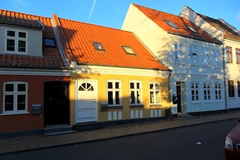 Charmerende renoveret byhus
