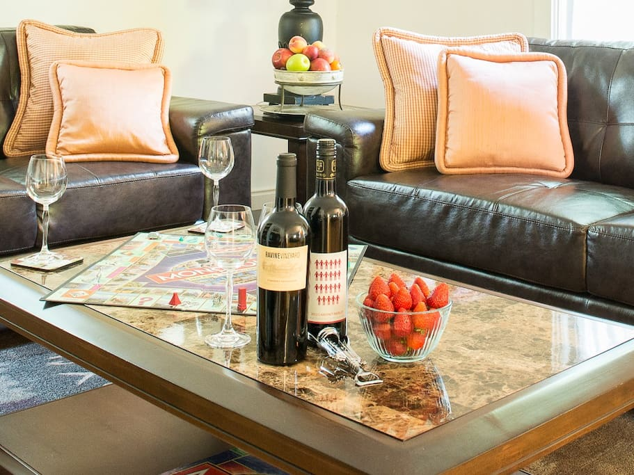 Relax with some snacks in front living room - leather furniture