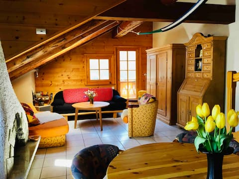 Central cozy chalet for groups & families w/ sauna