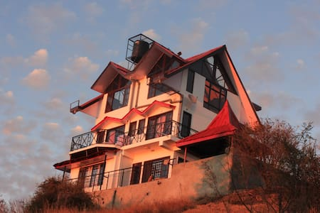 Luxury Cottage On A Mountain Top !! - Shimla