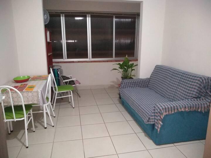 Apartamento 3 quadras da Prainha Torres
