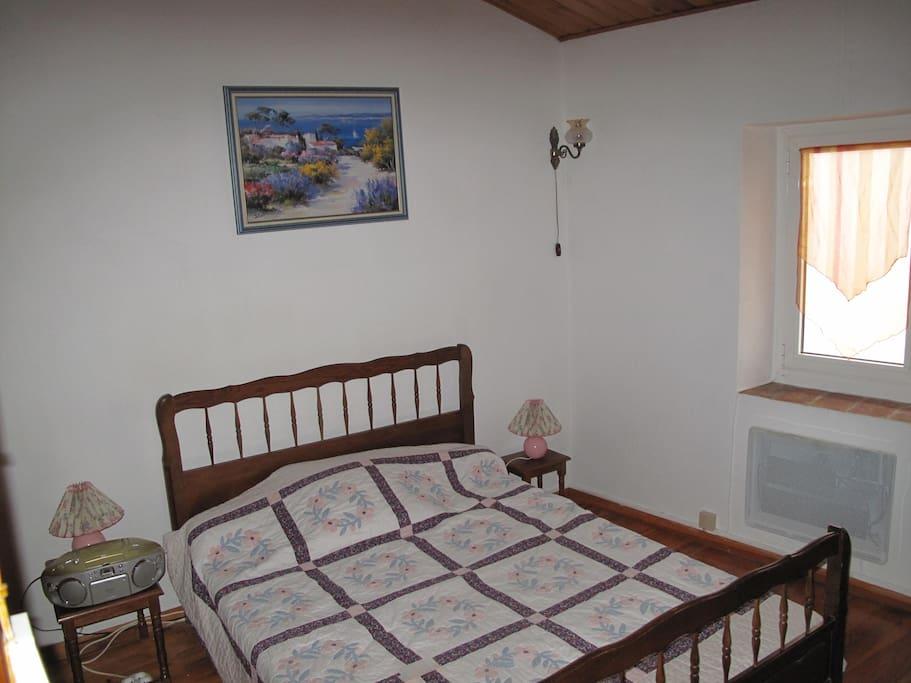 La chambre avec lit 2 places