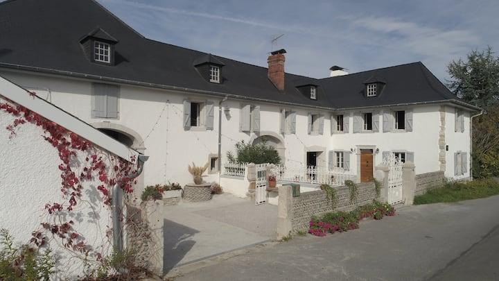 La Maysou dou Canounge - Gite de groupe en Béarn